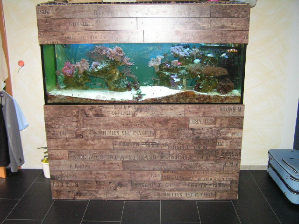 aquarium schrank eigenbau home image ideen. Black Bedroom Furniture Sets. Home Design Ideas