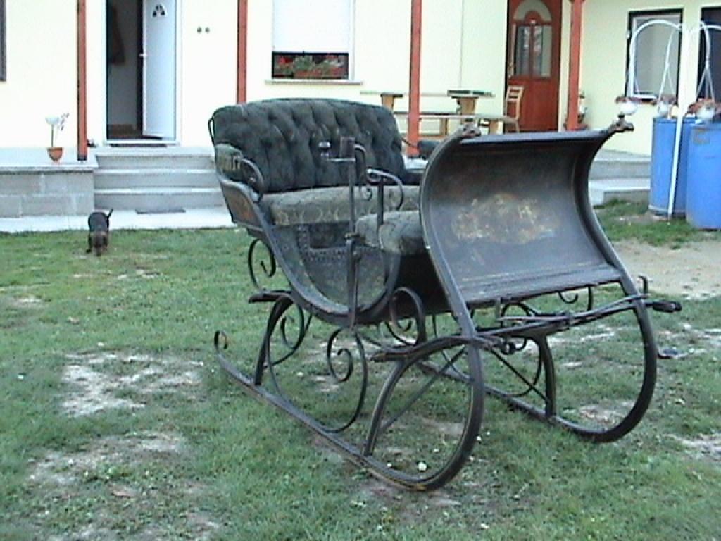 tieranzeigen pferdeschlitten kleinanzeigen. Black Bedroom Furniture Sets. Home Design Ideas